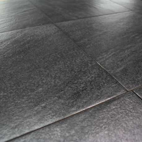 Carrelage sol exterieur quarzite nero aspect quartz for Carrelage sol exterieur