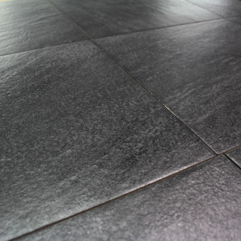 Carrelage sol exterieur quarzite nero aspect quartz for Carrelage exterieur