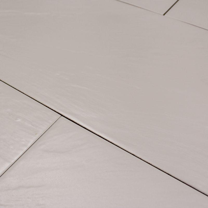 Carrelage sol et mur pizzara blanco carrelage taupe brillant for Carrelage sol mur
