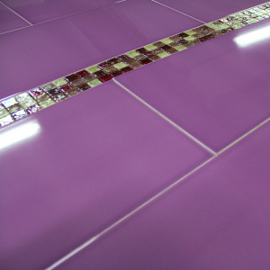 Carrelage mural int rieur decoration carrelage parquet for Carrelage mural salle de bain violet