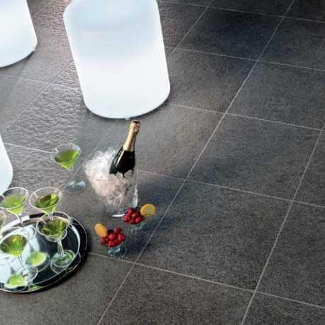 Carrelage sol patio basalte str carrelage ext rieur for Carrelage exterieur 45x45
