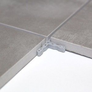 Carrelage sol poli gris 60x60 cm carrelage brillant for Plinthe carrelage noir brillant 10 x 20